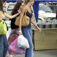 at_a_flee_market_on_Melrose_Avenue_in_LA_May_29_2001_28329