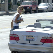 Gisele & her new Mercedes