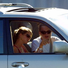 Gisele_and_Leo_at_In_N_Out_Burger2C_Santa_Clarita2C_July_82C_2002_28129