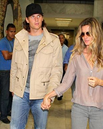 03-05 Gisele and Tom at the International Airport in Rio de Janeiro