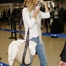 Gisele Bundchen arrives at the Los Angeles International Airport
