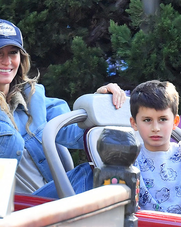 04-20 Gisele and Tom Brady at Disneyland April 20 2019
