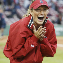 BRAZILIAN TOP MODEL GISELE PRACTICES BEFORE THROWING OUT FIRST PITCH AT RED SOX GAME IN BOSTON