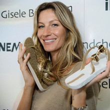 2011_Ipanema_sandal_collection_in_Istanbul2C_April_62C_2011_281729