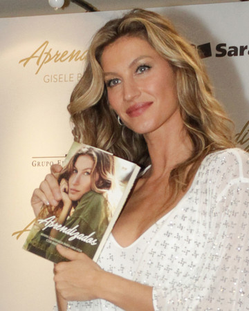 11-10 Gisele at her book launch in São Paulo Brazil November 10 2018